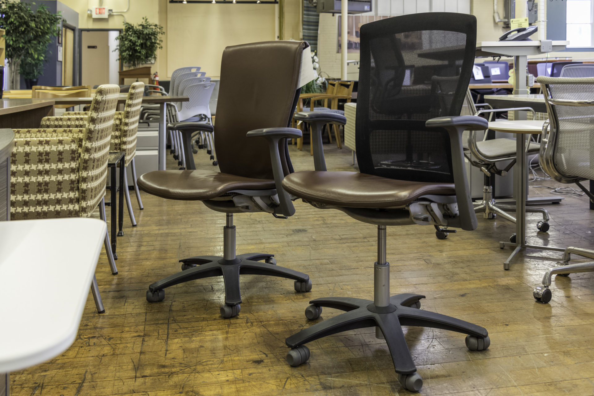 Knoll Life Chairs in Brown Leather