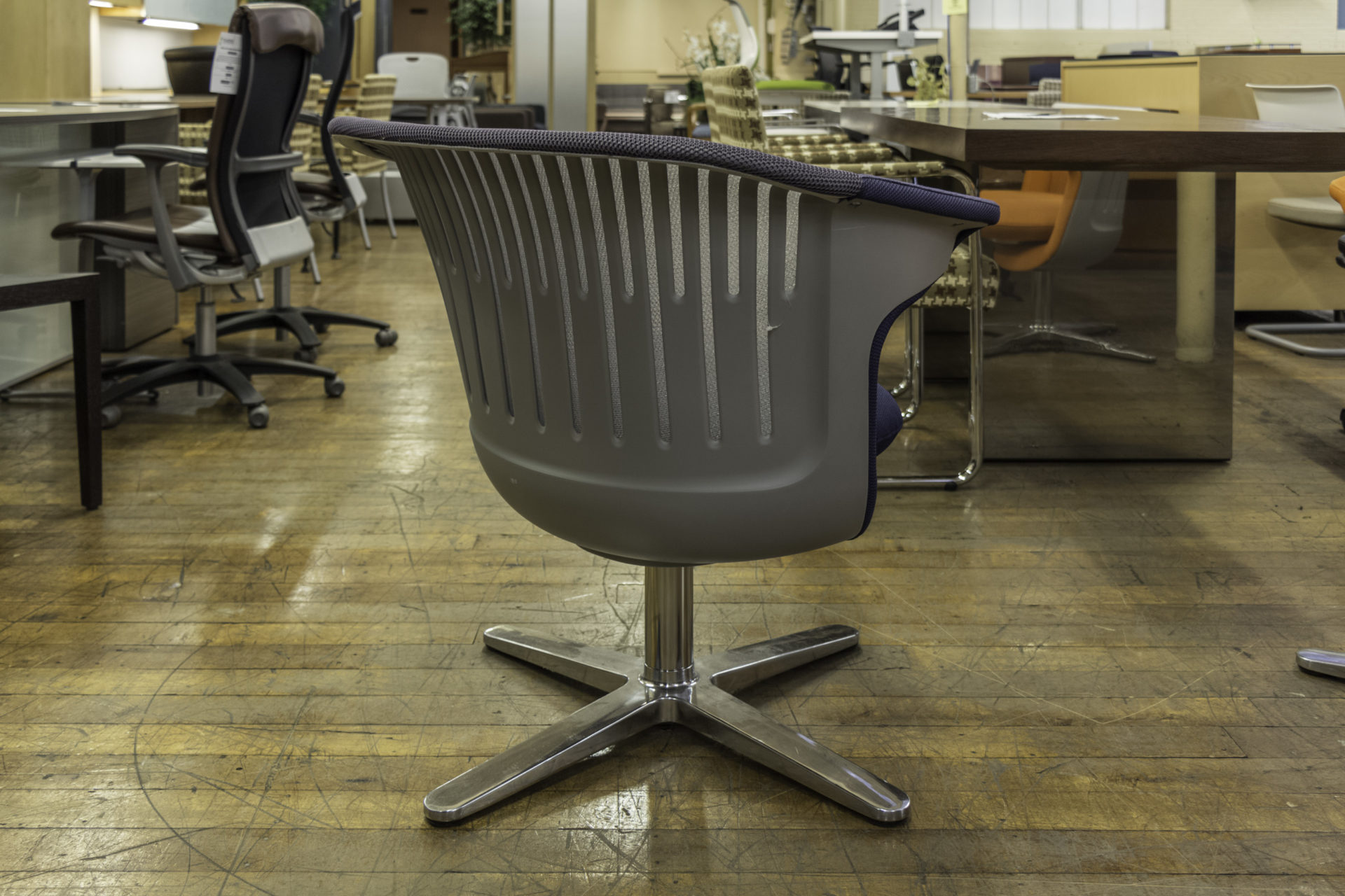 Steelcase i2i Chair in Blue