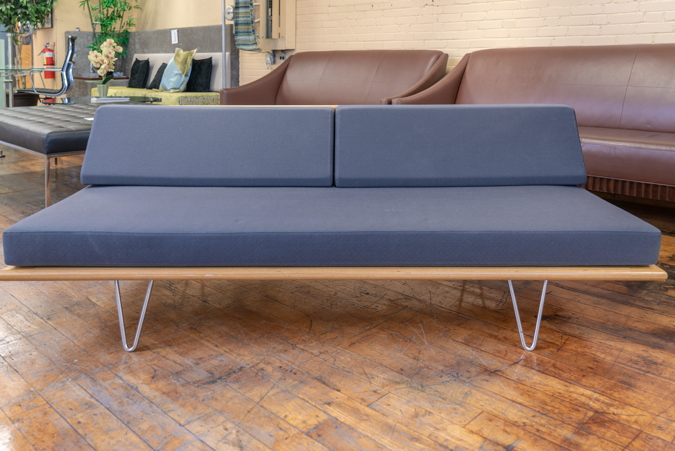 - Modernica Case Study Furniture® V-Leg Daybeds • Peartree Office