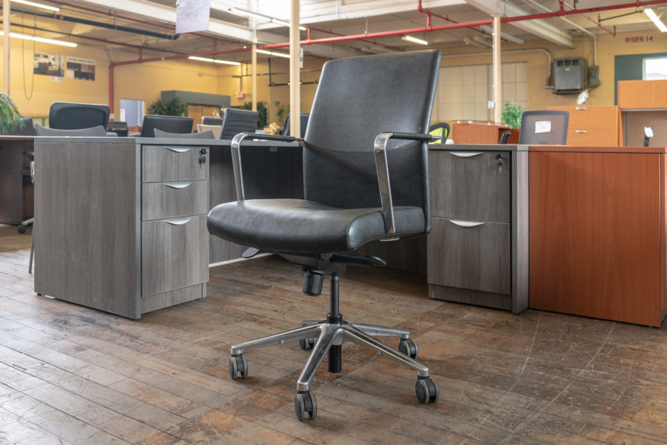 Keilhauer Vanilla Mid-Back Leather Conference Chairs