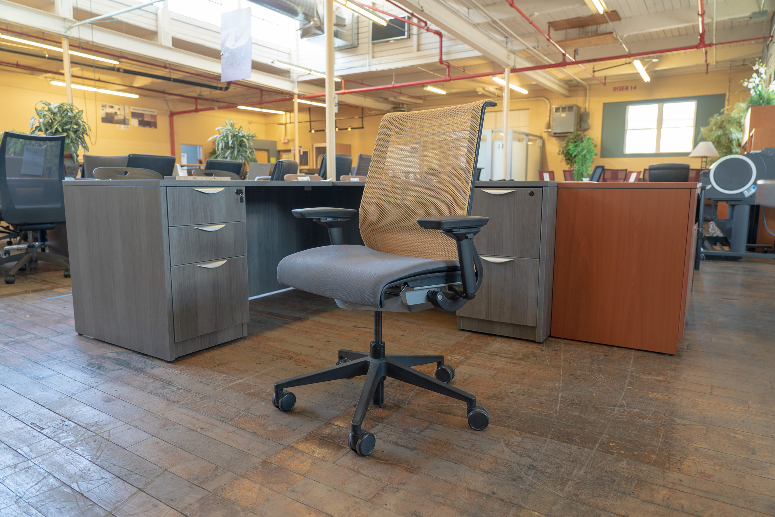 steelcase-think-v1-chairs