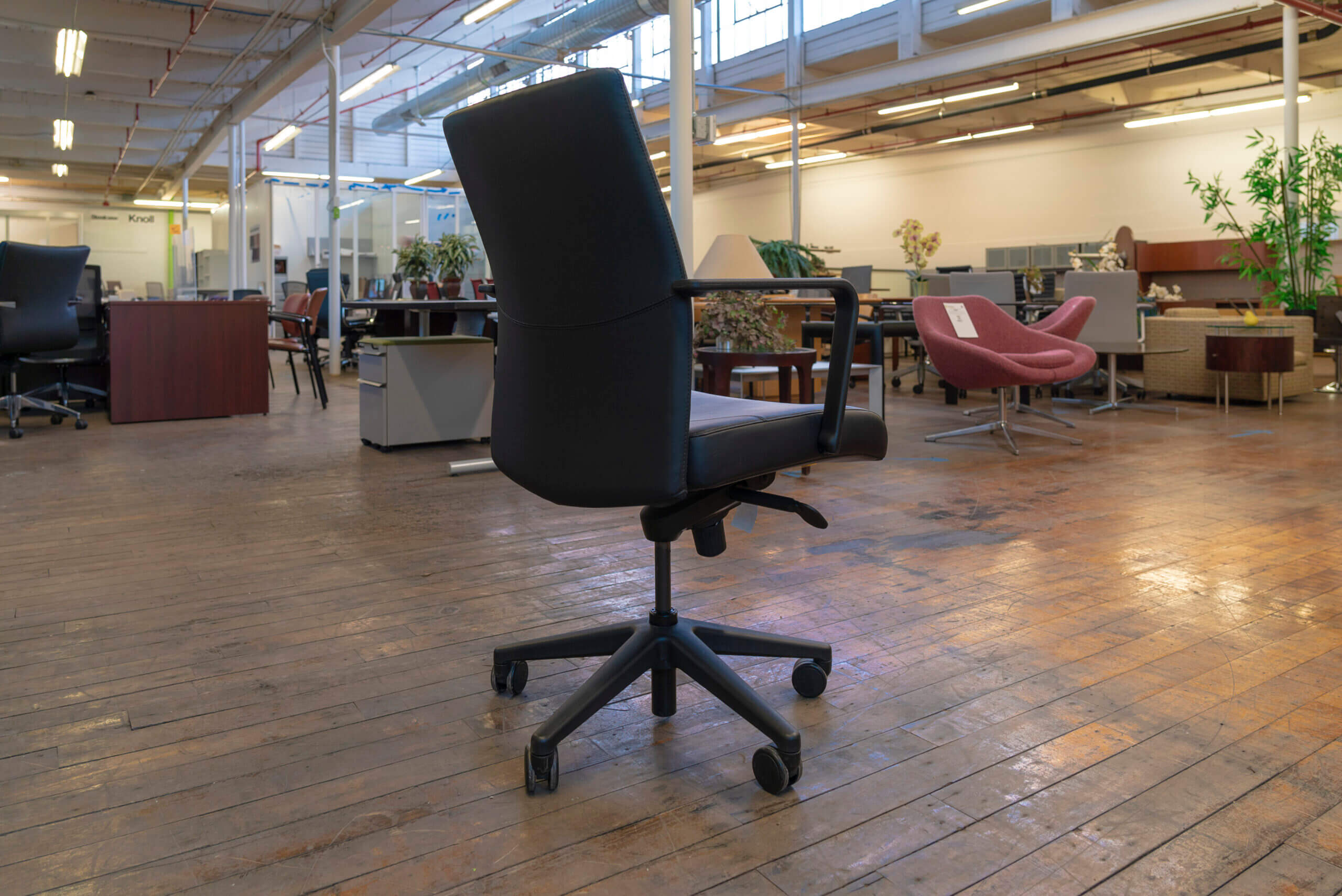 keilhauer-vanilla-conference-chairs