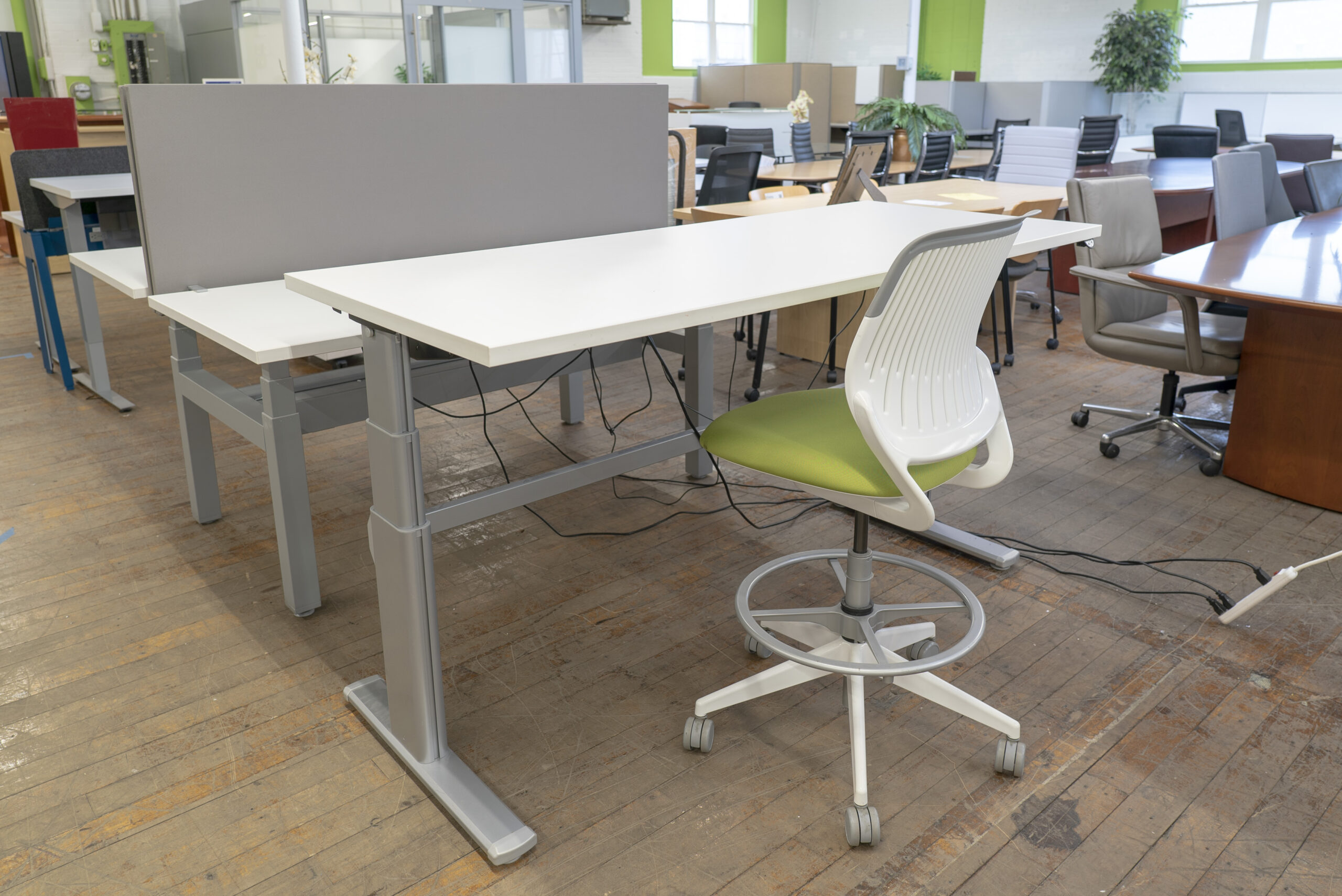 Steelcase Series 5 Height Adjustable Sit-to-Stand Desk
