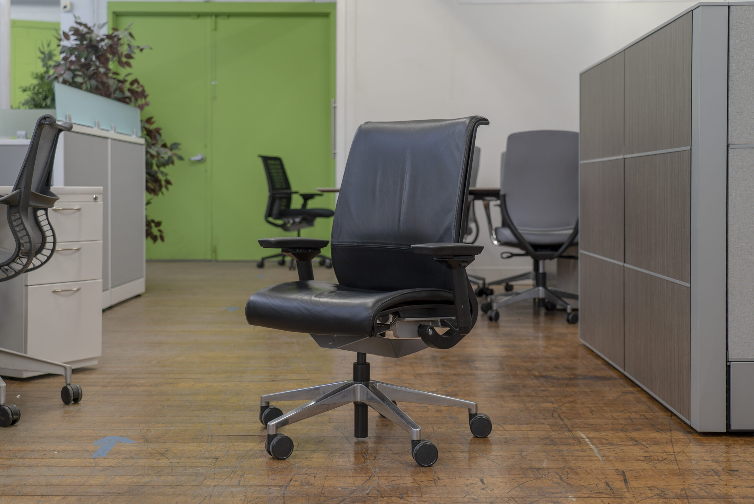 steelcase-think-v1-black-leather-task-chairs