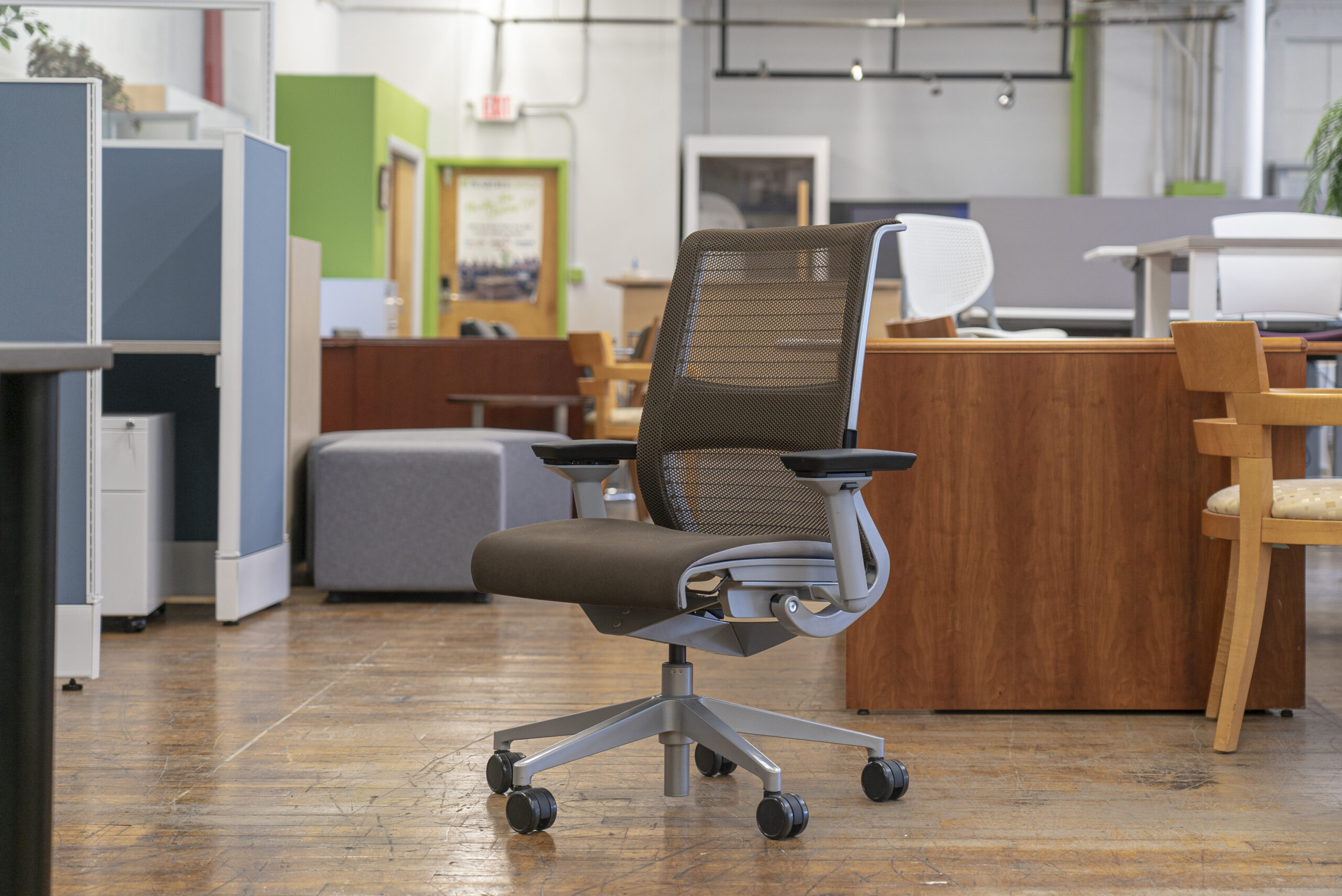 steelcase-think-v1-mesh-back-task-chairs