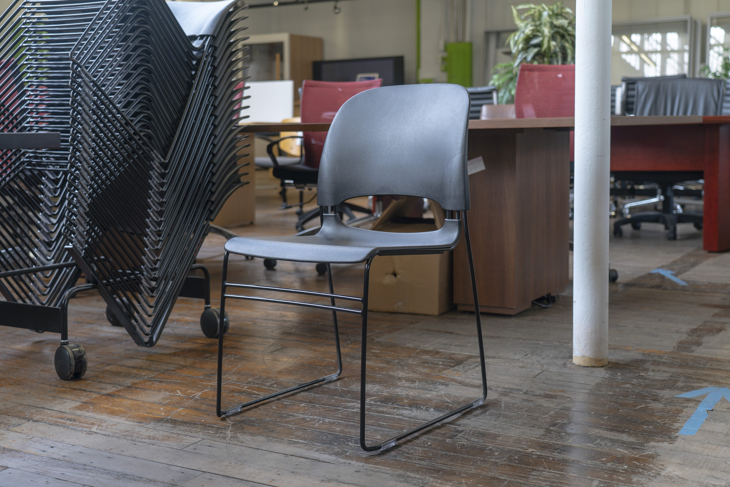 herman-miller-limerick-stacking-chairs-lot-of-21-includes-stacking-cart