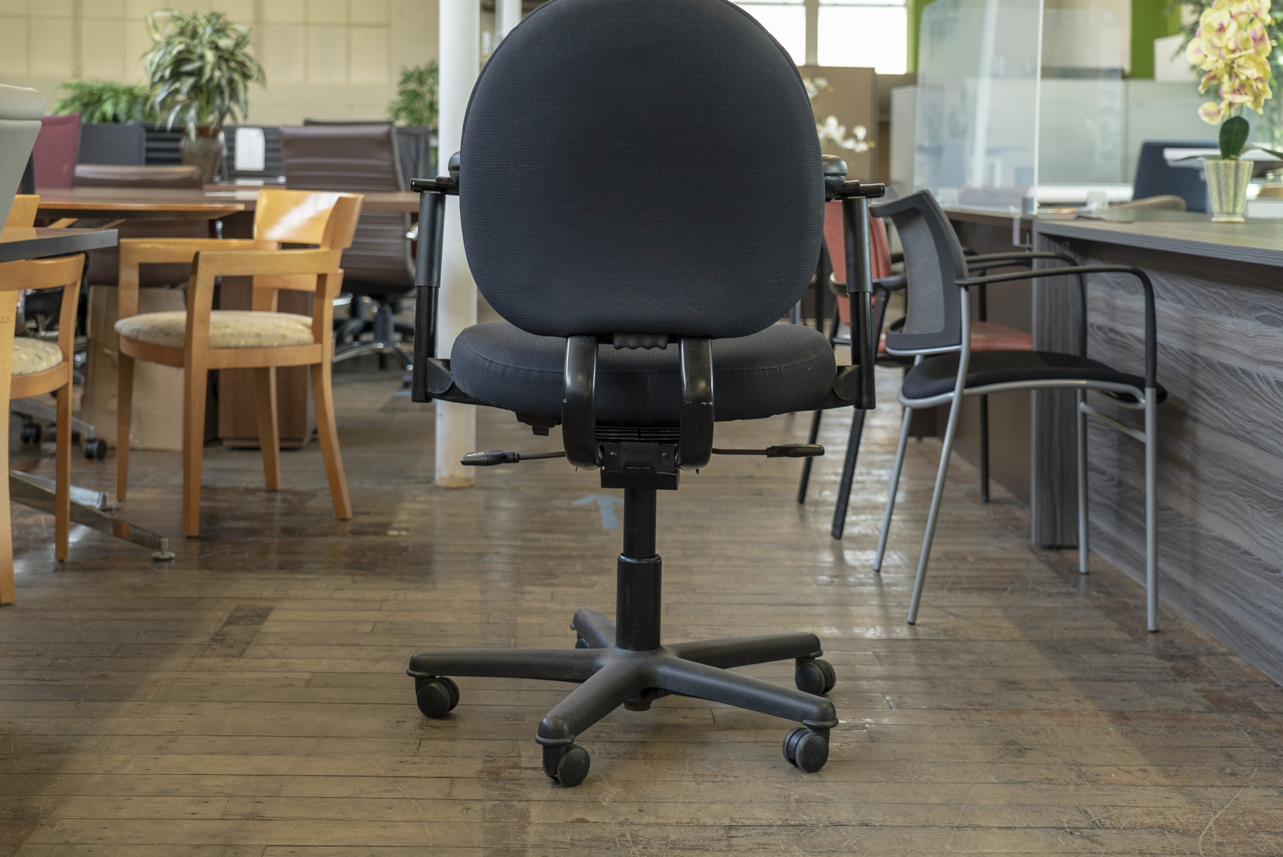 steelcase-criterion-plus-chairs